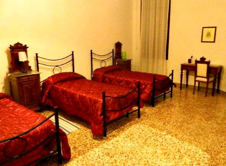 Hostels and Budget hotels in Venice
