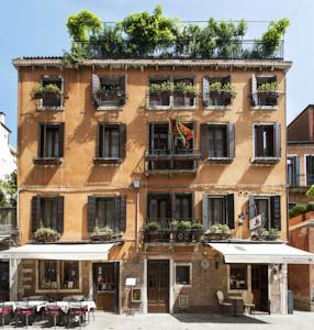 Sleeping in Venice Hotel Agli Alboretti