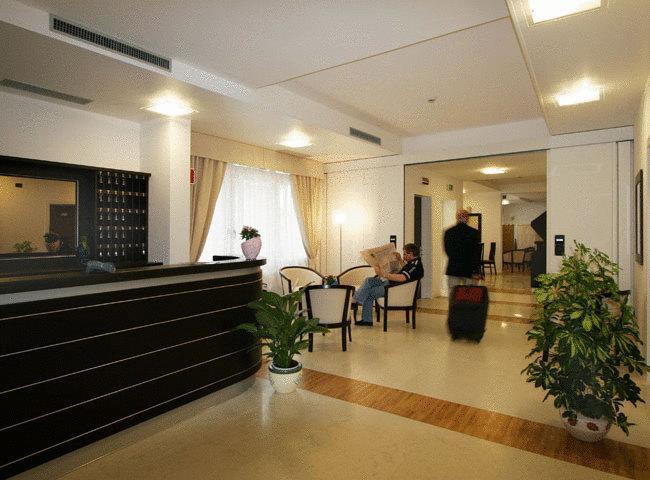 Hotel - Mary