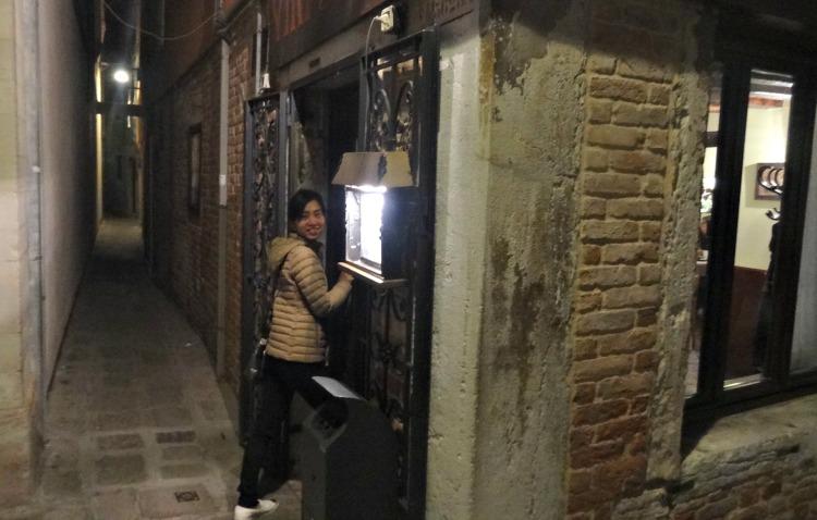 Entering Restaurant Venice Italy Vini da Giglio