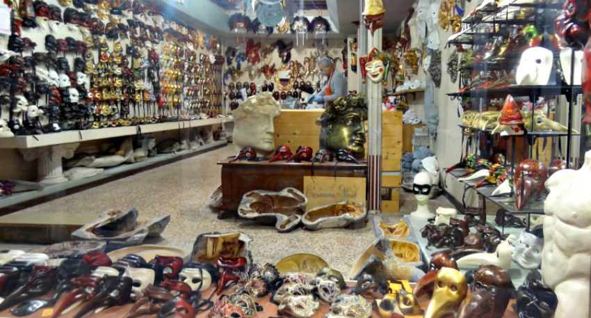 Mask Venice Italy Shopping!