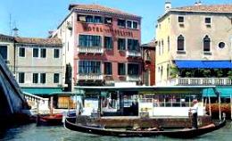Canal hotel Venice 'Boscolo Bellini'